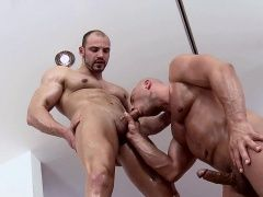 Blowjob (Gay),Gays (Gay),Hunks (Gay),Massage (Gay) Hot hunk is...