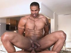 Blowjob (Gay),Gays (Gay),Hunks (Gay),Massage (Gay),Men (Gay),Muscle (Gay) Hot hunk receives...