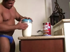 muscle;worship;bodybuilder,Muscle;Fetish;Solo Male;Gay;Hunks;Straight Guys milk shake huge full