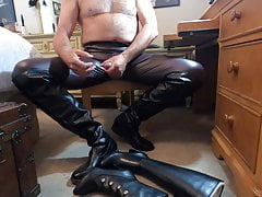 Amateur (Gay);Daddy (Gay);Gay Cum (Gay);HD Videos Leggings and...