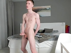 jerk;jerking-off;precum;sperma;homemade;russian-homemade;russian;solo-male;big-cock,Bareback;Twink;Muscle;Solo Male;Big Dick;Gay;Handjob;Uncut;Cumshot Дрочка